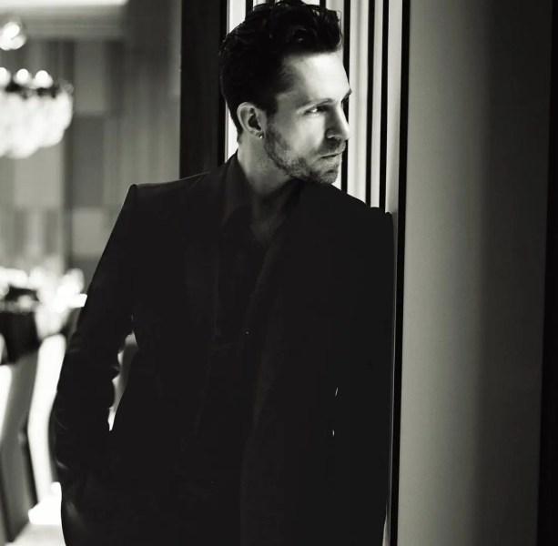 Jeff-Leatham-portrait-@Four-Seasons-Hotel-George-V