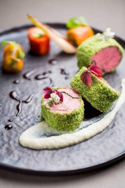 ®Pierre-Monetta-Noisette-d-agneau-coriandre-et-menthe,-makis-de-poivron-et-aubergine,-purée-de-fenouil----Buddha-Bar-Hotel-Paris-P