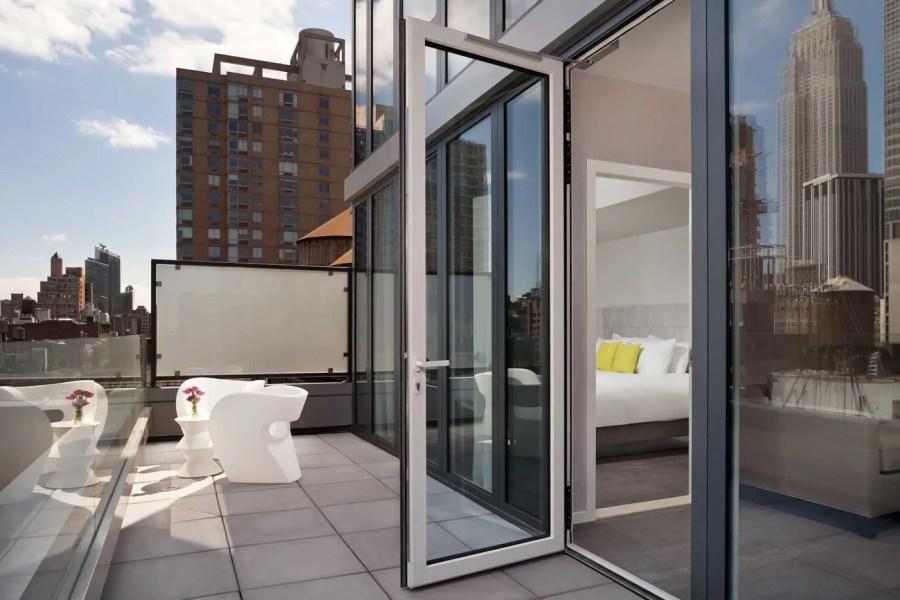 InnsideNewYork-Terrace-Suite-Balcony