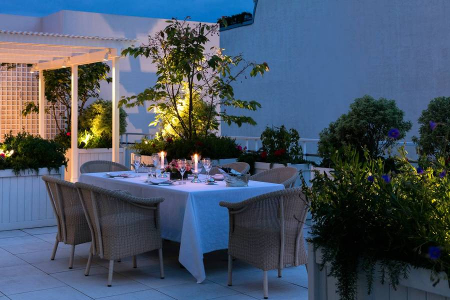 LebristolParis-TheTerraceSuite-OutdoorAtNight_6346