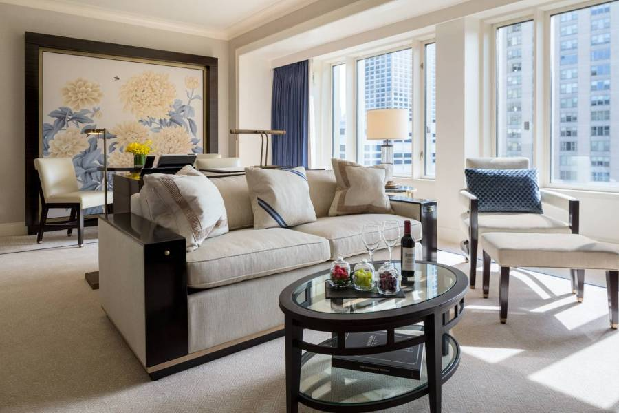 premier-junior-suite-living-room_the-peninsula-chicago
