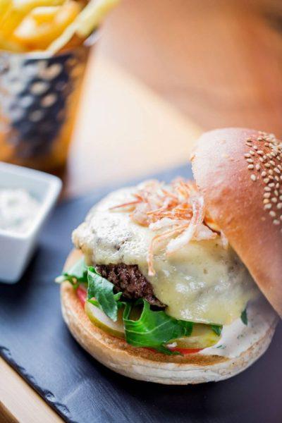 ®pierremonetta-Wagyu-beef-Burger---Buddha-Bar-Hotel-Paris-P