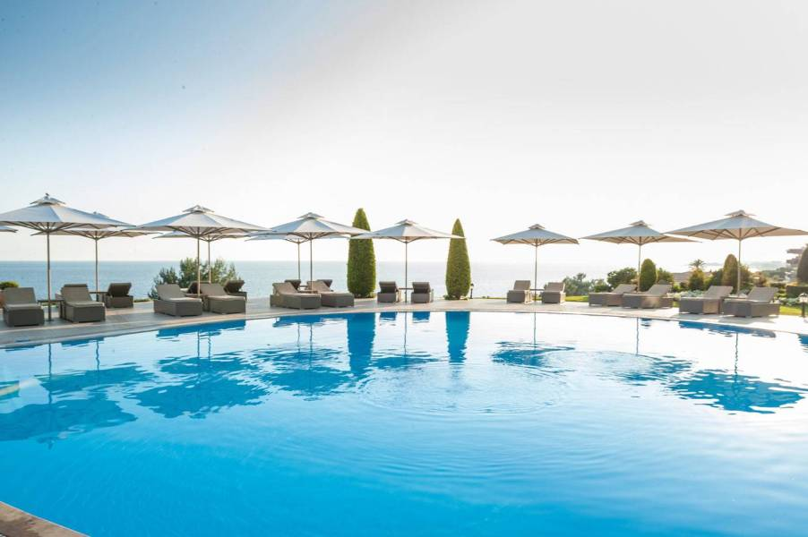 Deluxe-Collection-Pool-3-Ikos-Oceania