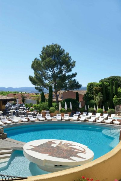•-Swimming-Pool-Hotel-Byblos-Saint-Tropez-copie