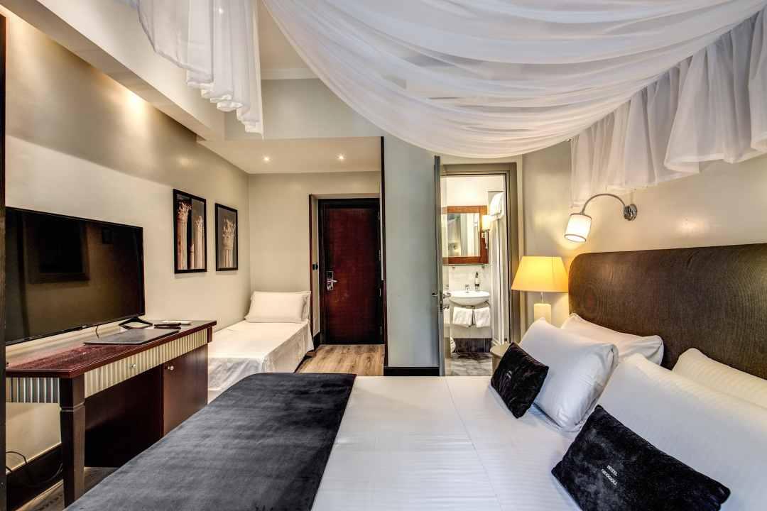 Hotel - 63