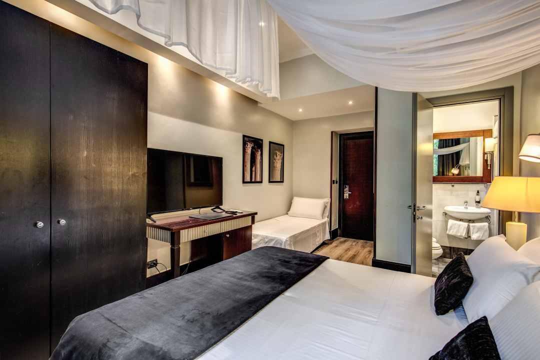 Hotel - 64