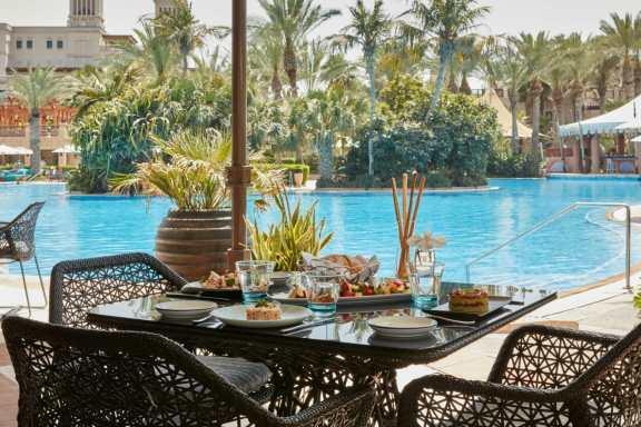 Jumeirah Al Qasr - French Riviera - Exterior 6