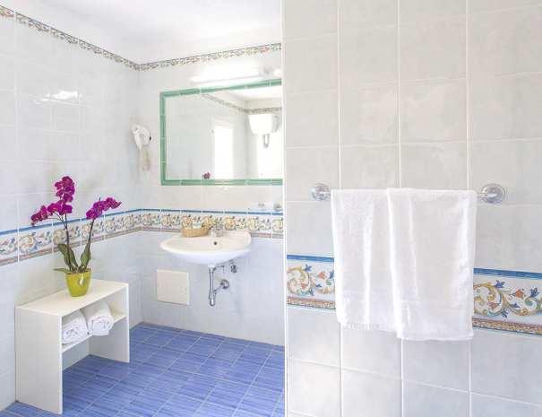 Bagno_Hotel_La_Scogliera