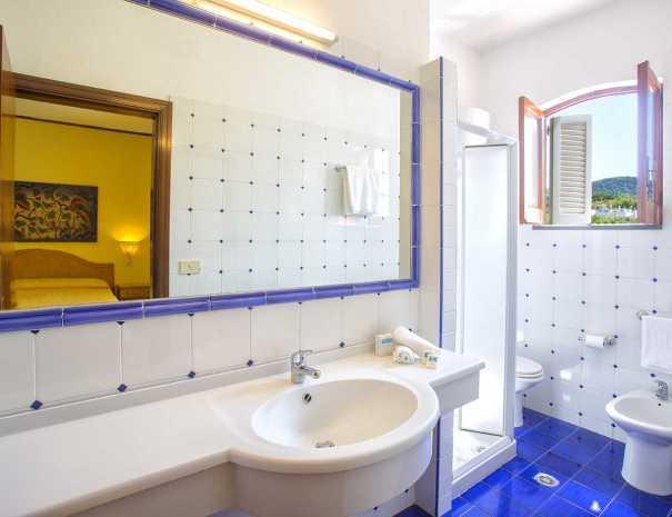 Bagni_Hotel_La_Scogliera (4)