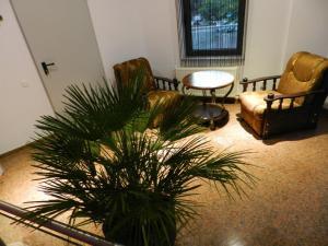 hotel marinii, bucharest (9)