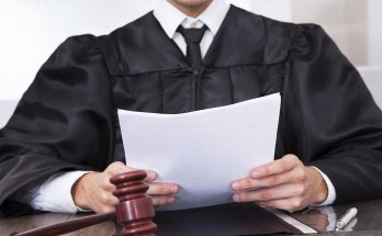 Суд на Booking