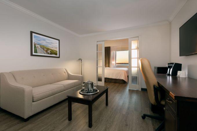 Suite_fleuve_salon