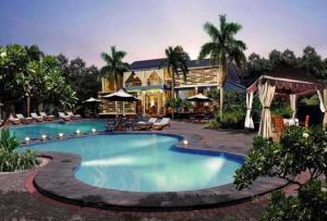 Maple House by Villa Istana Bunga