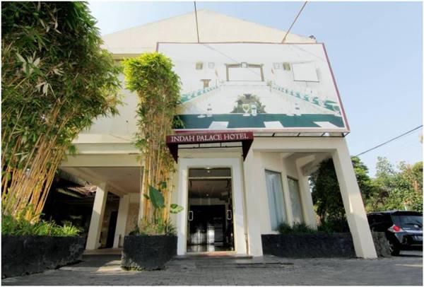 View Bangunan Depan Hotel Indah Palace