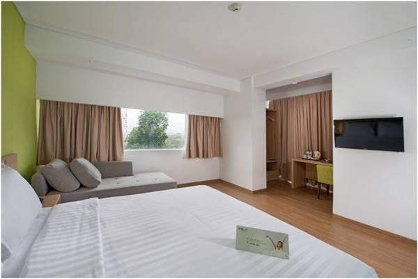 View kamar Whiz Prime Hotel Pajajaran Bogor. Salah satu hotel dekat kebun binatang Bogor paling rekomendeed.