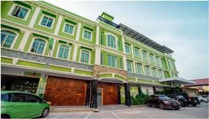 2. Greenland Hotel Batam