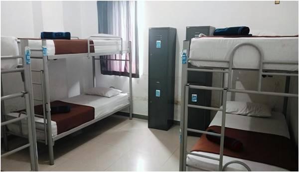5. Chez Bon Hostel Braga Sumurbandung