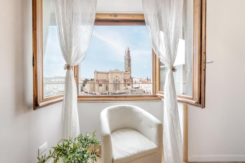 Hotels near trains | Florence Santa Maria Novella train station | One Step Florence