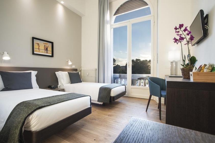 Hotels near trains   Florence Santa Maria Novella train station   7Florence BB