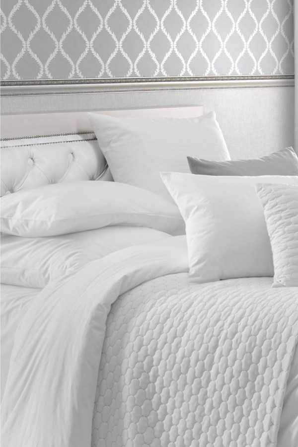 Luxury Hotel Bedding Pillows