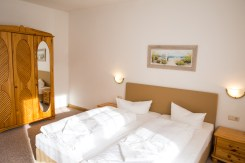 Ferienwohnung in Strandnähe in Zinnowitz auf Usedom Schlafzimmer mit Doppelbett
