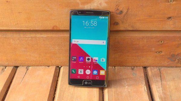 Смартфон LG V30 получит 2 экрана и 2 тачскрина