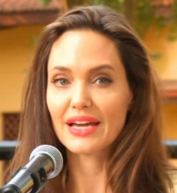 Вышел первый трейлер нового фильма Анджелины Джоли «Сперва они убили моего отца»