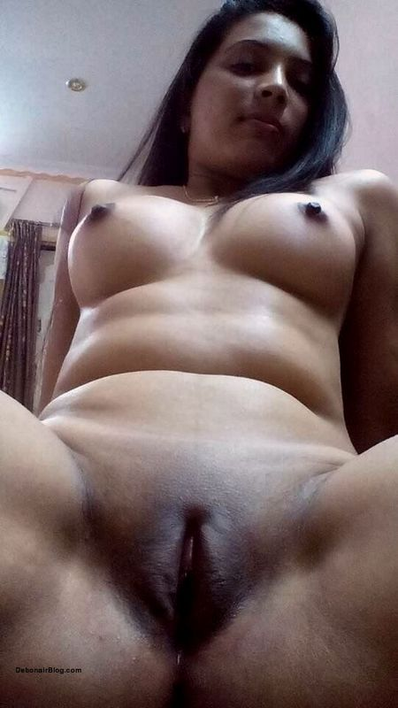 Beautiful North Indian wife showing tits ass cheeks clean shaven cunt pics