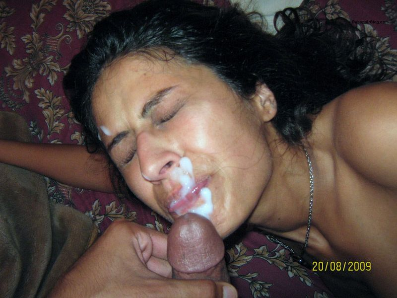 Desi MILF aunty sucking cock taking cum load on mouth pics