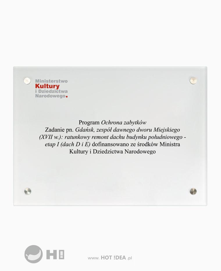 Producent tablic pamiątkowych. Szklana tablica pamiątkowa z nadrukiem UV - Ministerstwo Kultury i Dziedzictwa Narodowego - Program ochrona zabytków