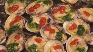 Hot Kitchen Artisan Admirals Platter, Clams on the Half Shell Recipe Demonstration