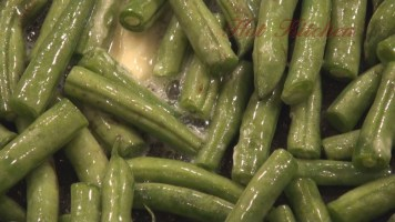 Hot Kitchen Italian Style Green Beans Recipe Demonstration