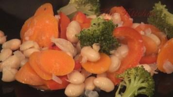 Hot Kitchen Tuscan Grilled Chicken, stewed white beans Recipe Demonstration
