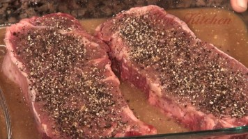 Hot Kitchen - Whiskey and Cola Steak Recipe Demonstration