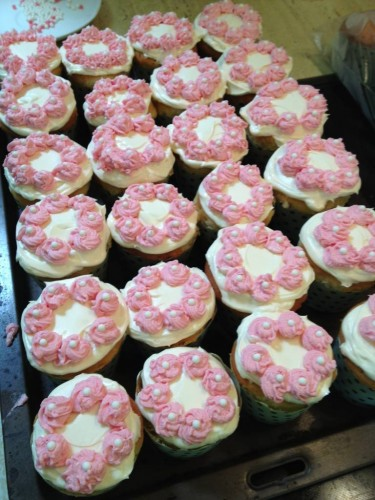 Vanilla Cupcakes with white chocolate butter cream icing