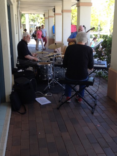The mellow tones of the jazz band