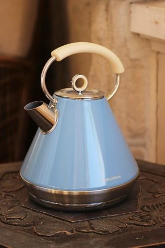 A retro kettle