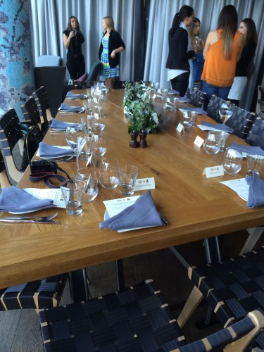 Table setting in the private room