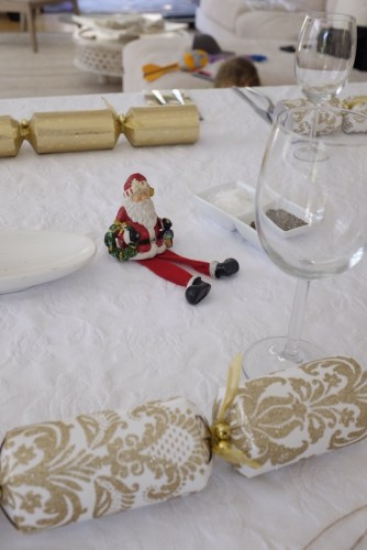 No flowers, but a little santa to decorate the table