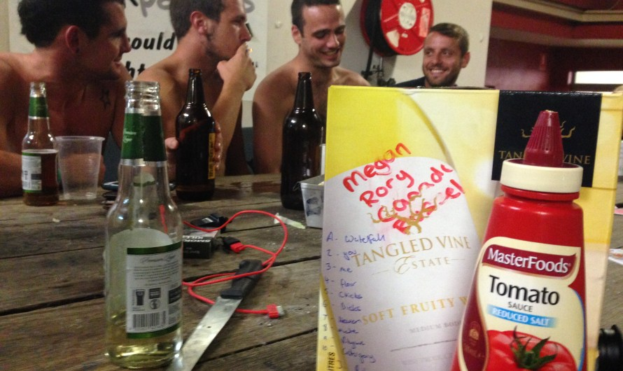 Hostel Life in Australia – JUST SAY NO TO THE GOON!!!!!