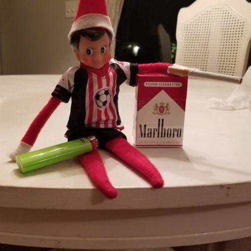 chain smoking elf