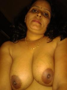 Huge boobs aunty ki photos