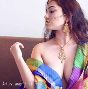 cleavage dikhati hot girl