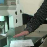 Druckweiterverarbeitung: Schneiden des Papiers