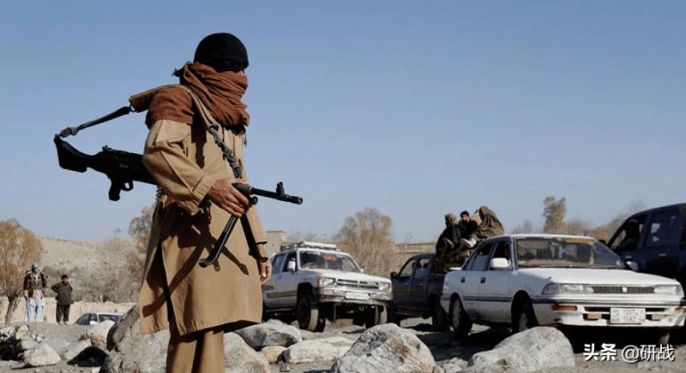 美军要卷铺盖走人,阿富汗塔利班又发起暴击,专家:局势已经失控