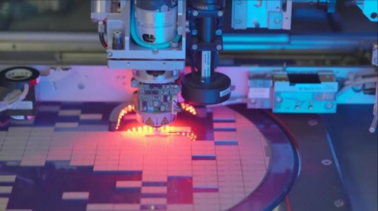 美媒:让中国自研芯片绝对不可取,如今美半导体已损失超万亿