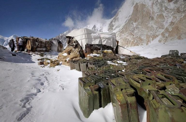 卫星拍到喜马拉雅山一幕,印指挥官果断后撤,莫迪叹低估对手决心