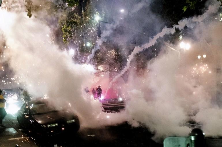 美国的暴乱没完没了!每到午夜时分必定要乱,为何警察无计可施?