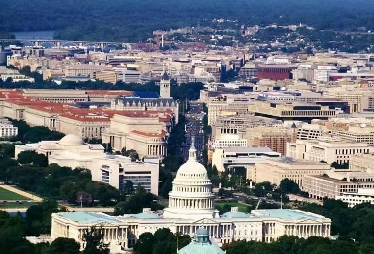 5000美国大兵荷枪实弹开赴华盛顿:枪口究竟是要对准谁呢?