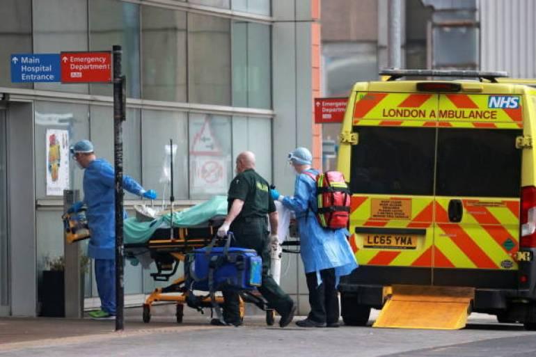 """疫情""""最坏时期""""将至,英国计划让数千名新冠患者提前出院"""